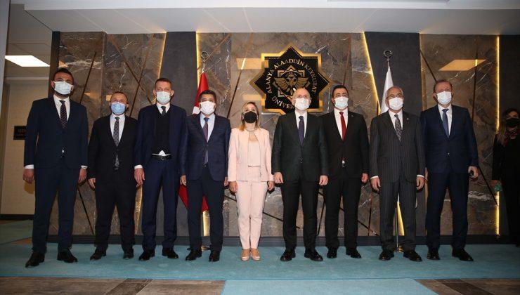 Ulaştırma ve Altyapı Bakanı Karaismailoğlu'ndan Kanal İstanbul açıklaması:
