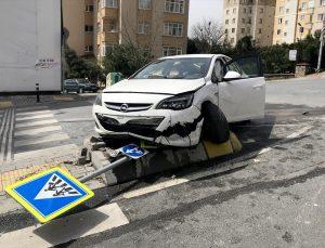 Ümraniye'de trafik kazasında 1 kişi yaralandı
