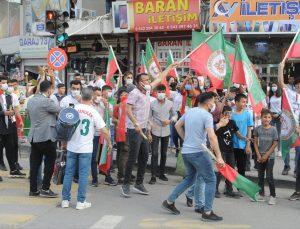 Voleybolda Efeler Ligi'ne yükselen Cizre Belediyespor, ilçede davul zurna eşliğinde karşılandı