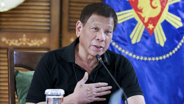 Filipinler Devlet Başkanı Duterte, Çin'in bağışladığı Sinopharm Kovid-19 aşılarını geri almasını istedi