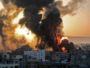 İsrail saldırıları Gazze'de evlere dağılan şebeke suyunda yüzde 50 azalmaya neden oldu