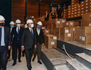 Bakan Çavuşoğlu New York'ta yapımı bitmek üzere olan Türkevi binasını gezdi