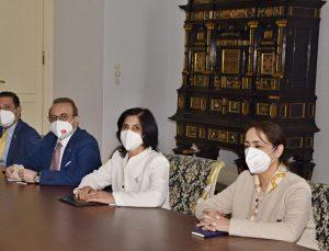 Filistin için büyükelçilerden Çek Dışişleri Bakanlığı'na anlamlı ziyaret