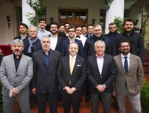 TC Prag Büyükelçisi Egemen Bağış Ramazan Bayramında Türklerle bir araya geldi