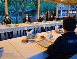 Adalet Bakanı Gül, Ceza ve Tevkifevleri Genel Müdürlüğü personeliyle iftarda buluştu