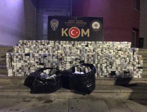 Adana'da 10 bin paket gümrük kaçağı sigara ele geçirilen cipteki 2 zanlı tutuklandı