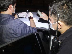 Adana'da kovalamaca sonucu durdurulan otomobilde uyuşturucu madde ele geçirildi