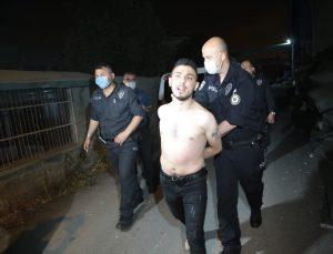 Adana'da polisten motosikletle kaçmaya çalışan iki kişi yakalandı