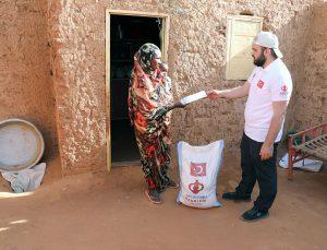 Afrika'nın Renkleri Derneği Sudan'da mülteci ve yetim ailelere gıda paketi dağıttı