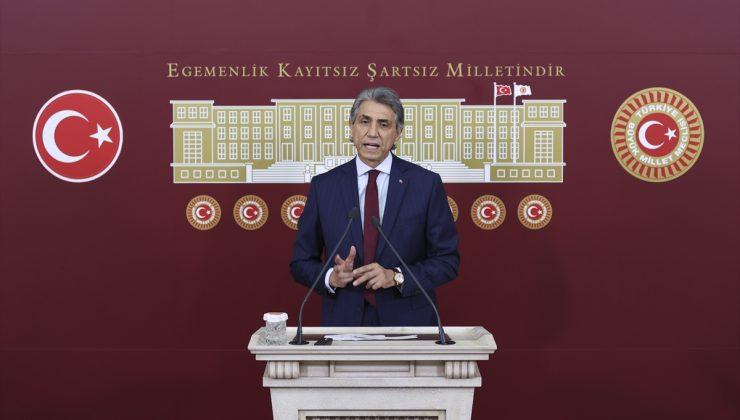 """AK Parti'li Demir: """"İstanbul'u hiçbir zaman yalnız bırakmadık"""""""