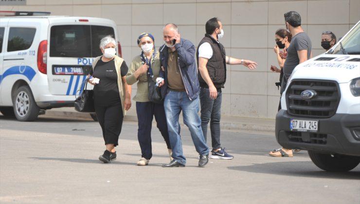 Antalya'da anne ile kızı evde ölü bulundu