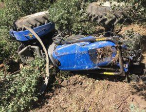 Aydın'da devrilen traktörün sürücüsü yaralandı