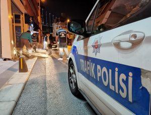 Beşiktaş'ta bir vitrine çarpan motosikletin sürücüsü yaralandı