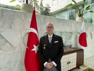 Büyükelçi Korkut Güngen, Japonya İmparatoru'na güven mektubunu sundu