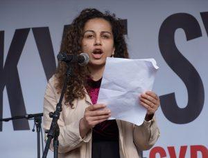 Danimarka'nın 25 şehrinde ülkedeki mültecilerin Suriye'ye geri gönderilmesi protesto edildi