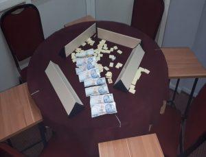 Denizli'de kumar oynadığı belirlenen 13 kişiye para cezası