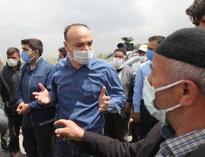 """Erzurum'da sokağa çıkma kısıtlamasına rağmen """"su"""" eylemi"""