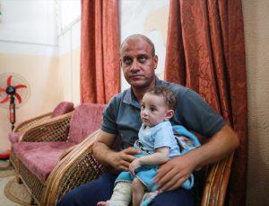 Eşi ve 4 çocuğunu kaybetmesine rağmen metanetini koruyan Gazzeli baba, Cumhurbaşkanı Erdoğan'dan yardım istedi