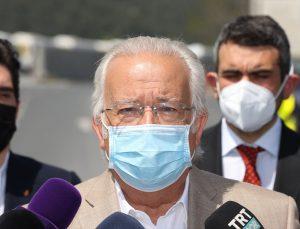 Galatasaray Kulübü Başkan Adayı Eşref Hamamcıoğlu, listelerini divan kuruluna teslim etti