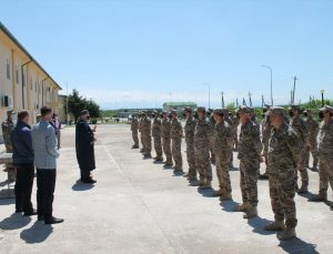 Gürcistan Savunma Bakanlığından Müslüman askerlere Kur'an-ı Kerim hediyesi