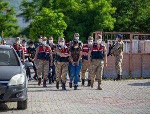 Hatay merkezli 3 ilde düzenlenen uyuşturucu operasyonunda yakalanan 21 şüpheli tutuklandı