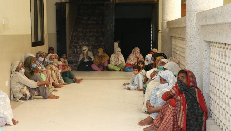 İHH, Pakistan'da 200 aileye nakdi yardımda bulundu