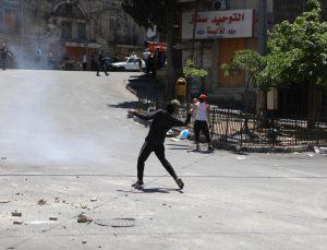 İsrail güçlerinden Batı Şeria'daki Gazze'ye destek gösterilerine müdahale: 13 yaralı