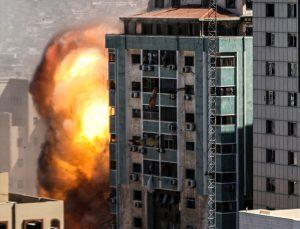 İsrail ordusu, Associated Press (AP) ile Al-Jazeera'nın ofisinin de olduğu binayı yerle bir etti