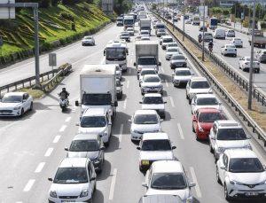 İstanbul'da sokağa çıkma kısıtlaması sonrası trafik yoğunlaştı