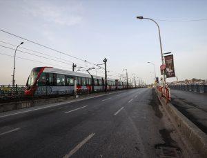 """İstanbul'da """"tam kapanma"""" trafik yoğunluğunu azalttı"""