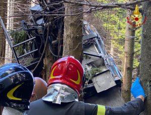 İtalya'da teleferik kabini düştü: 9 ölü