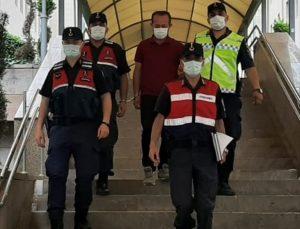İzmir'de hakkında 25 yıl kesinleşmiş hapis cezası bulunan kişi, ikizinin kimliğiyle yakalandı