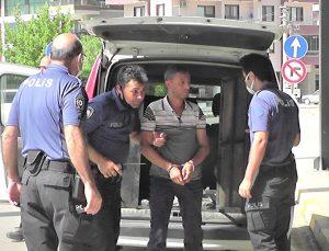 İzmir'de eski eşi ve iki kişiyi tabancayla yaralayan zanlı tutuklandı