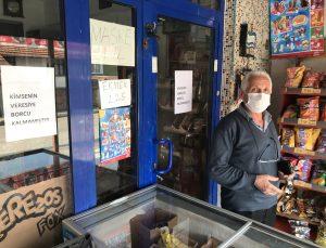 """Karabük'te bir hayırsever 3 mahallede """"veresiye defterlerini"""" satın alıp borçları sildirdi"""
