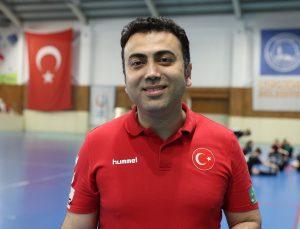 """Kastamonu Belediyespor Antrenörü Serkan İnci: """"Şampiyon olduğumuz için çok mutluyum"""""""