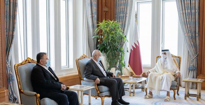 Katar Emiri, Doha'da Hamas lideri Heniyye ile Gazze'nin yeniden imarını görüştü