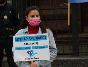 """Kiev'de Kırım'da kaybolan kişiler için """"Yürüyüş Çemberi"""" eylemi yapıldı"""