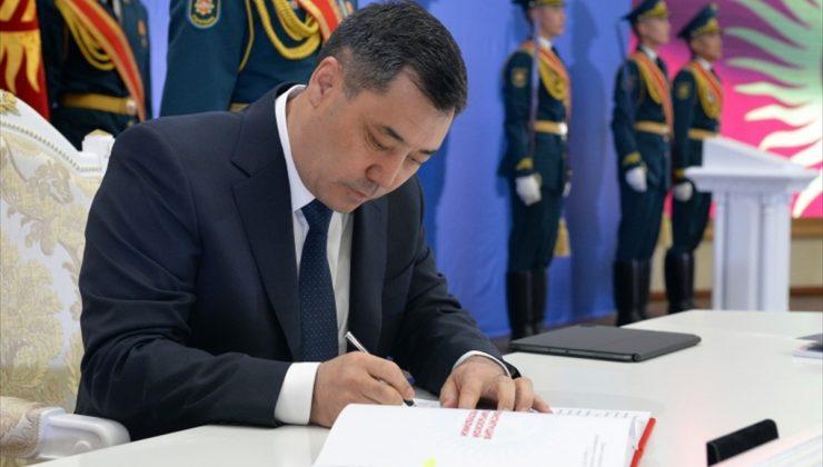 """Kırgızistan'da """"Cumhurbaşkanlığı sistemi""""ne geçildi"""