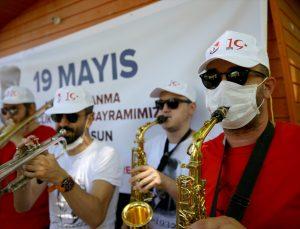 """Kırklareli'nde bando takımındaki müzik öğretmeninin """"maske duyarlılığı"""" takdir topladı"""