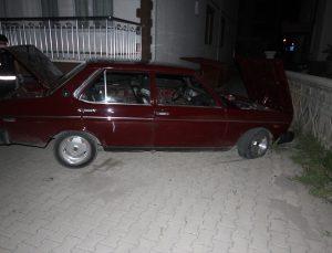 """Konya'da polisin """"dur"""" ihtarına uymayarak kaçan alkollü sürücü, çıkmaz sokağa girince yakalandı"""