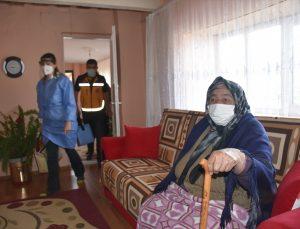 """""""Kovid-19 savaşçıları"""" zorlu coğrafyaya sahip kırsal köylerde aşı mesaisine devam ediyor"""