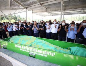 Kovid-19'dan yaşamını yitiren Adana Demirspor Asbaşkanı Şentürk Çalık, son yolculuğuna uğurlandı