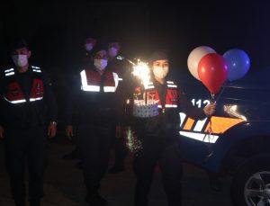 Kütahya'da jandarmadan Şırnak'ta görevli uzman çavuşun oğluna doğum günü sürprizi
