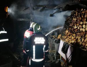 Malatya'da kümeste çıkan yangında 250 hayvan telef oldu