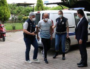 GÜNCELLEME – Manisa'da boşandığı eşini sokak ortasında darbeden kişi yeniden gözaltında