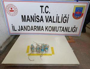 Manisa'da jandarmanın definecilere yönelik operasyonunda 8 zanlı gözaltına alındı