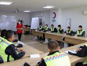 Manisa'da Kızılay'dan jandarma trafik ekiplerine ilk yardım eğitimi