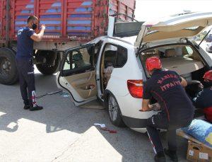 Manisa'da tıra arkadan çarpan cipin sürücüsü yaralandı