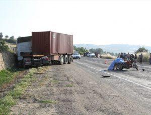 Manisa'da tırla çarpışan motosikletin sürücüsü öldü