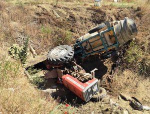 Manisa'da traktör sulama kanalına devrildi: 1 yaralı